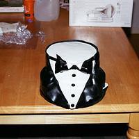 Tuxido Cake