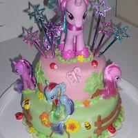 My Little Pony This cake inspired by Cupcakes fit for Divines