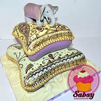 Bollywood babyshower cake