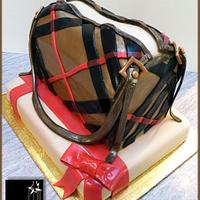 THE HAPPY BURBERRY BIRTHDAY CAKE