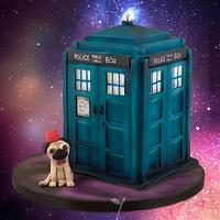 Tardis Doctor Who Cake