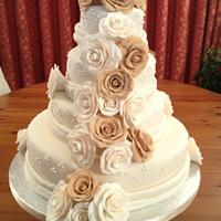 4 tier wedding cake!