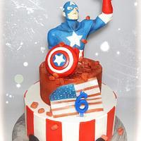 Captain  America  cake❤