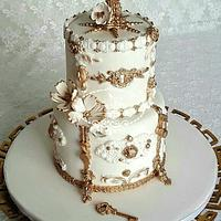 A purified cake in White & Gold
