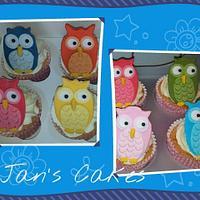 2D Owl cupcakes