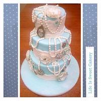 1920s inspired wedding cake
