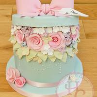 Hatbox birthday cake