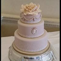 Cameo Vintage Wedding Cake