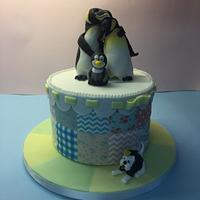 Penguin baby shower cake