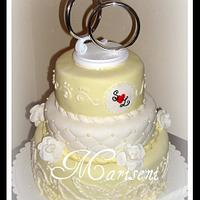 White & Yellow Wedding Cake