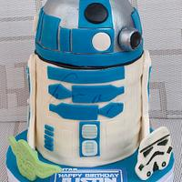 Artoo Detoo by Julie Manundo
