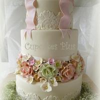 Vintage Rose and Lace wedding cake