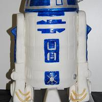 R2D2 Cake by Nicole Taylor