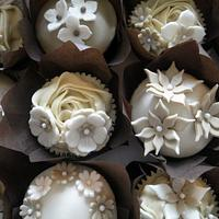 Cafe Creme by Truly Madly Sweetly Cupcakes