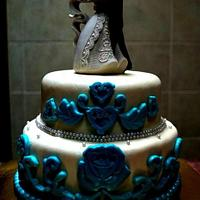 In white and blue wedding cake