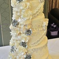 6 Tier Skulls and Roses Wedding
