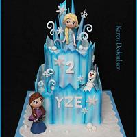 In love with my Frozen cake!