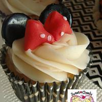 Minnie Mouse by Jenny