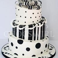 Black & White Topsy Turvey Wedding Cake