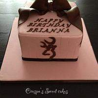 Browning cake with bows