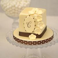 Monogram & Blooms Mini cake