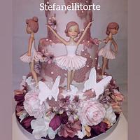 Ballerinas cake