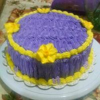 Simple buttercream with Daffodil flowers