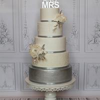 """MR and MRS"" silver cake"