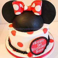 My second Minnie Mouse cake, this one is for Sara age 1