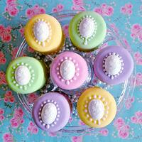 Mini Cameo Cakes in candy shades by prettypetal
