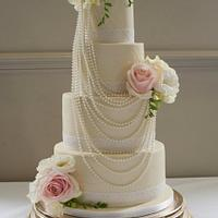 Pearls and Roses Wedding Cake