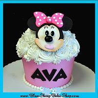 Minnie Mouse Giant Cupcake Cake