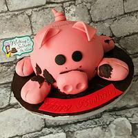 Oink oink a pig shaped cake 🐷