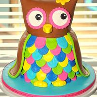 Sculpted Owl Cake