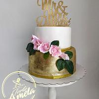 Gold rose Wedding cake
