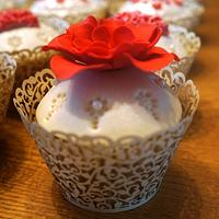 Coral & Ivory Wedding Cupcakes