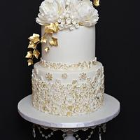 White - Gold Wedding Cake