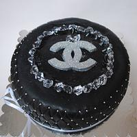 Black Channel with diamonds