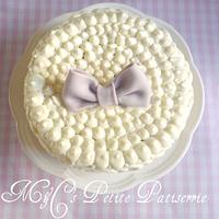 Simple butter cream cake  by M&C's Petite Pâtisserie
