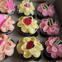 Tinkerbell Fairy Garden Cupcakes by cupcakeluv