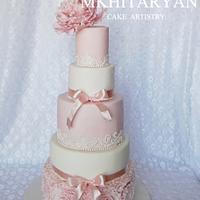 Pink peony  wedding cake&cupcakes