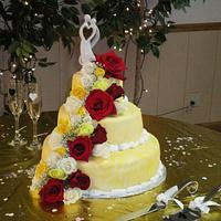 First wedding cake with real flowers