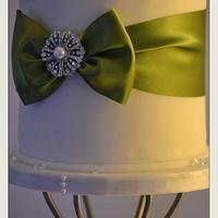 Trophy Separator Wedding Cake by Lisa Nobles