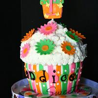 Giant Cupcake Cake by G Sweets
