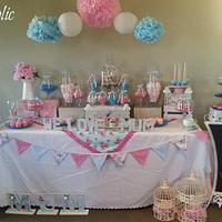 We love MUM dessert table set up