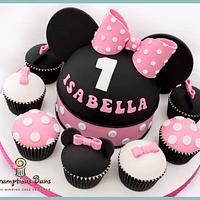 Big Cake Little Cakes : Minnie Mouse