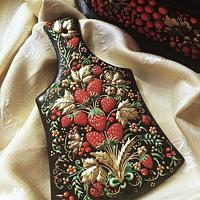 Russian traditional art Khohloma. Royal icing piping . Gingerbread
