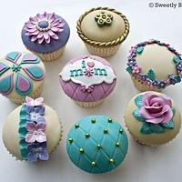 Mother's day cupcakes by SweetlyBaked