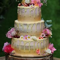 summer wedding cake :