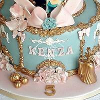 Cinderella birthday cake by Fées Maison (AHMADI)